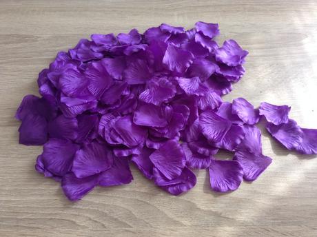 Plátky květů, fialové ,