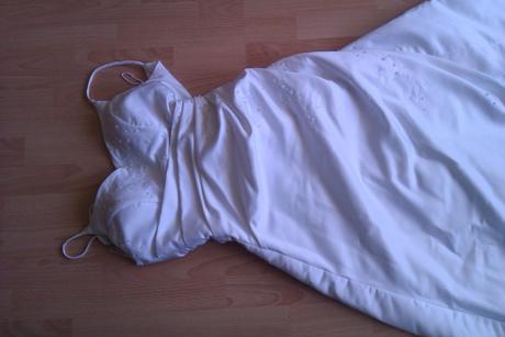 Biele šaty pre nevestu, 36