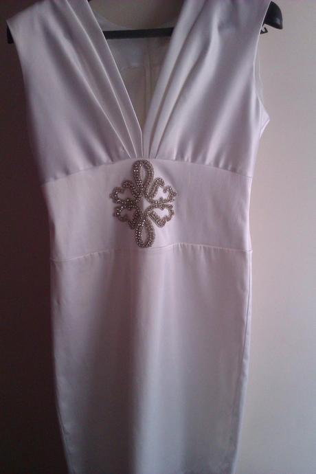 Príležitostné šaty, 42