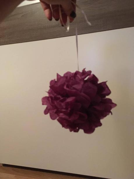 Fialové pomp poms 10 ks (15cm),