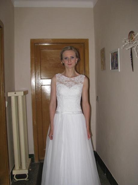 Sněhově bíle šaty, 36