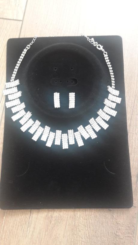 Prekrásny štrasový setík - náhrdelník + náušnice,