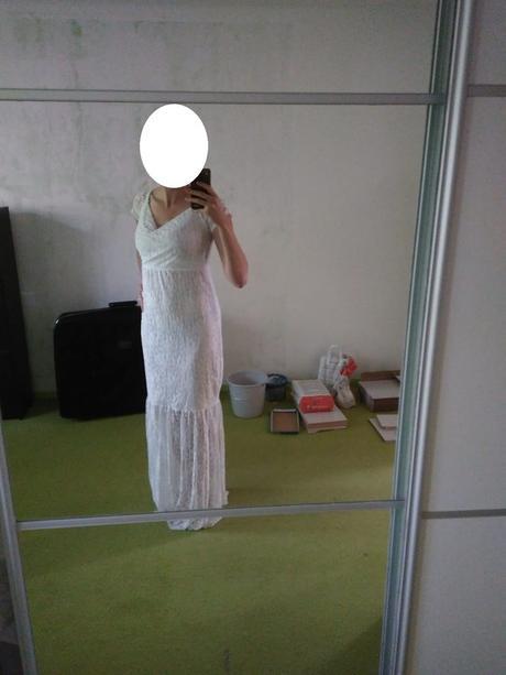 Těhotenské krajkové šaty, 42