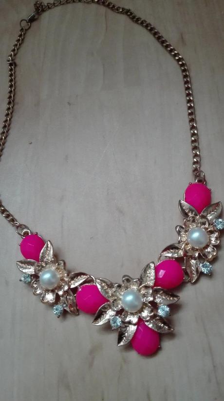 masivny náhrdelník,