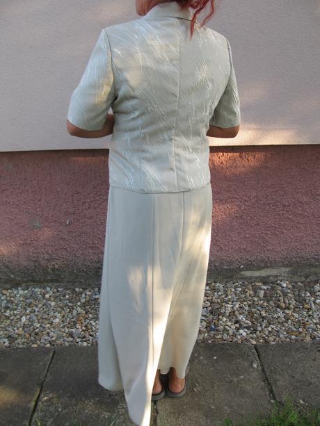 kostymček, 46