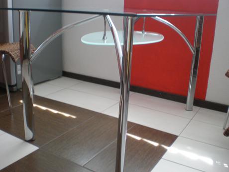 Jedálenský sklenený stôl málo používaný 130x80cm ,