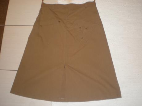 Pekná dámska sukńa nenosená veľ.42, 42
