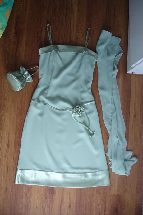 zelené šaty, 38