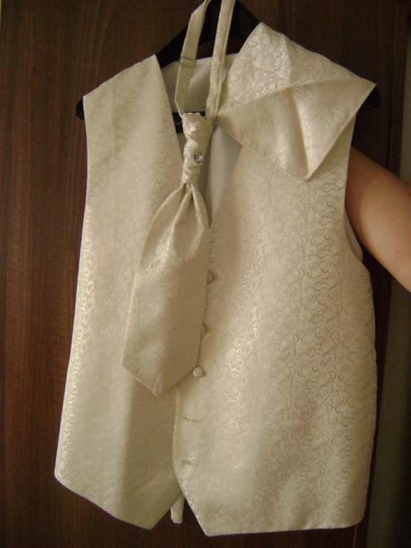 Nádherná svadobná vesta, 42
