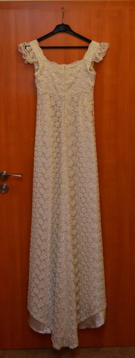 Krajkové svatební šaty vel.36/38, krajkový deštník, 36
