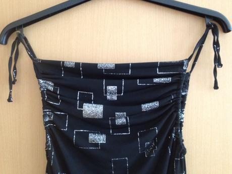 Krátké společenské šaty s flitry, 36