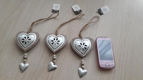 dřevěná srdce - dekorace k zavěšení,