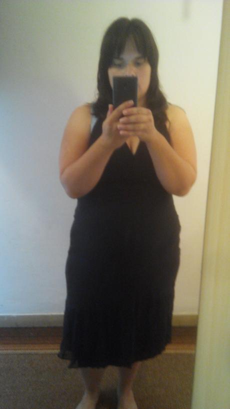 Černé společenské šaty, 44