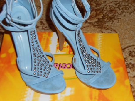 Spoločenské sandálky , 37