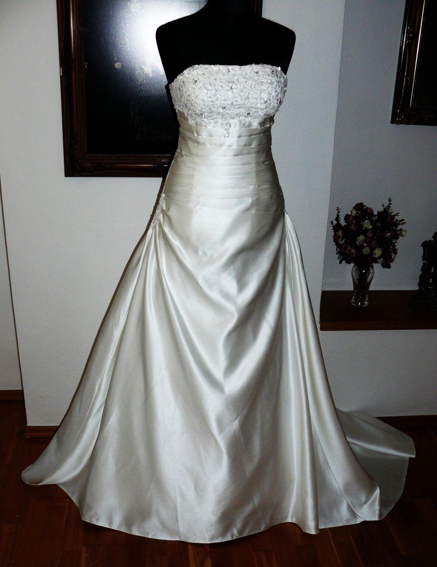 d767393f070 Svatební šaty smetanové saténové ludmila 4xl