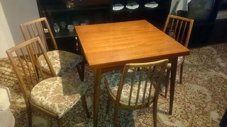 Rozkladaci stol, 4stolicky,