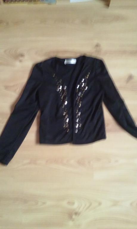Čierne sako, 36