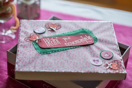 Krabice na blahopřání a obálky,