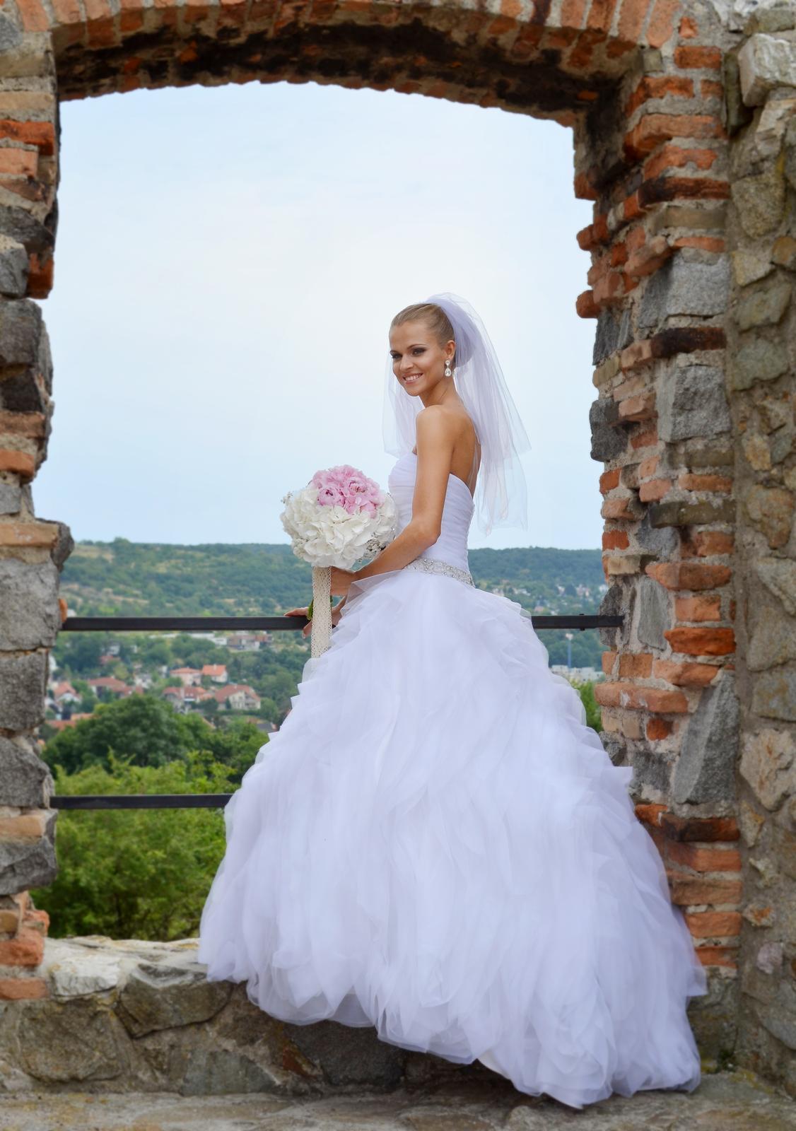 22c4017a2860 Svadobné šaty pronovias