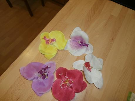 Květ orchidee do vlasů,