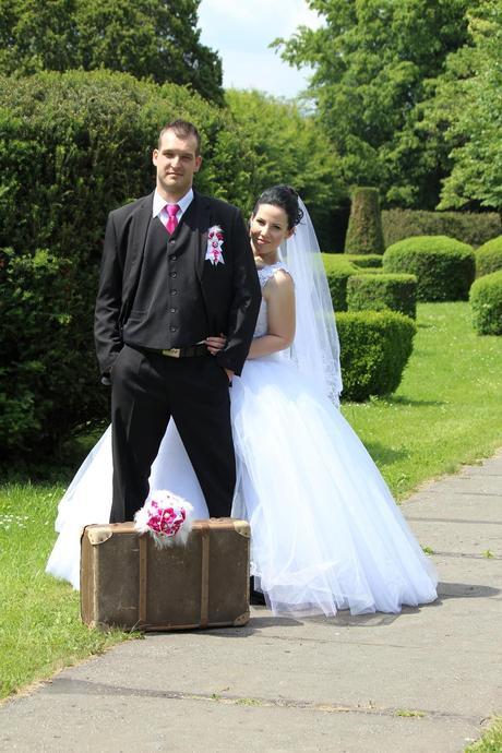Svadobné šaty , 44