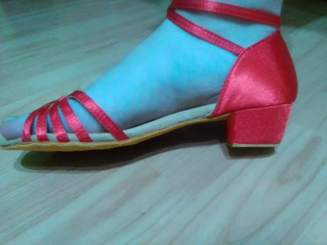 Tanečné topánky- strieborné a červené, 38