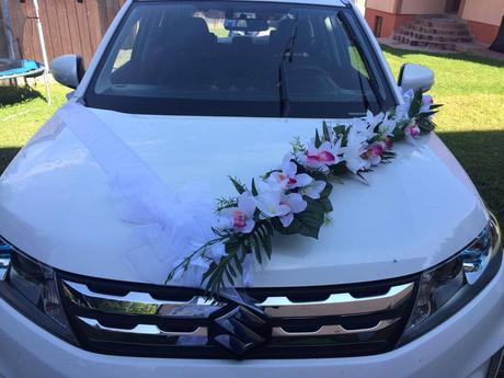 Výzdoba na auto z kvetov,
