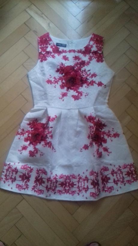 kvetované šaty, S
