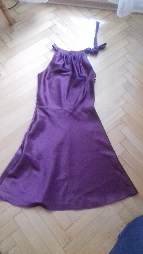 saténové šaty, S