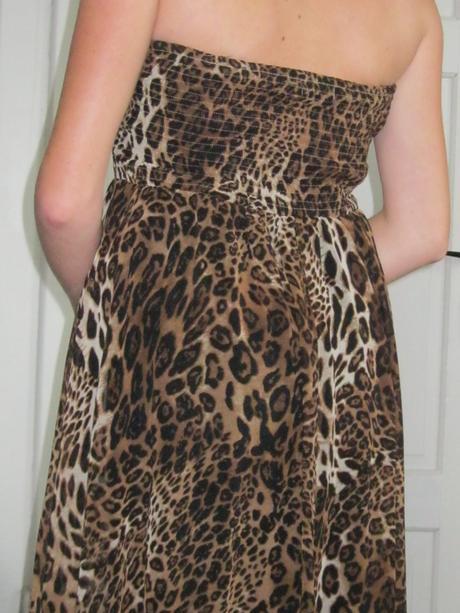 Tigrované šaty , 38