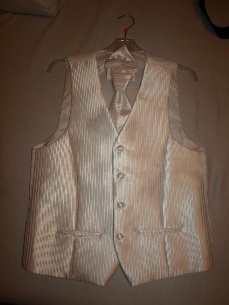Svadobná vestička s franc. kravatou a vreckovkou, 48