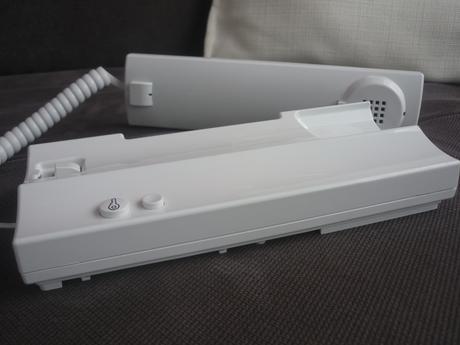 Domáci panelákový dverový audio telefónny prístroj,