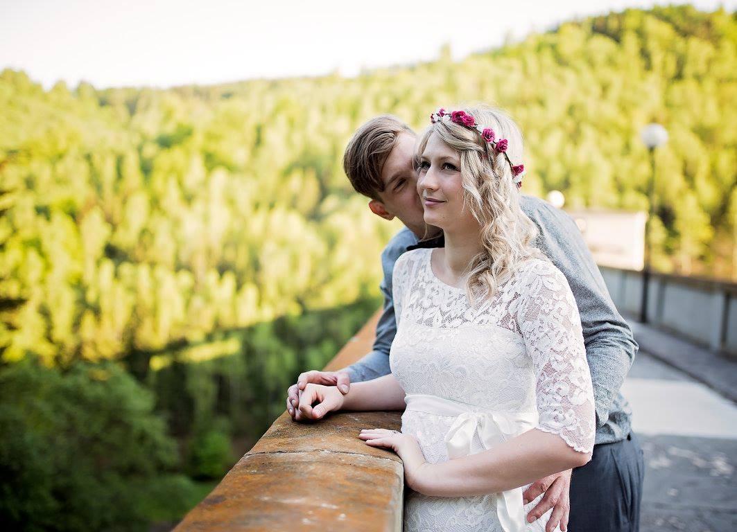 9a3029a7abd Těhotenské svatební šaty tiffany rose amelia
