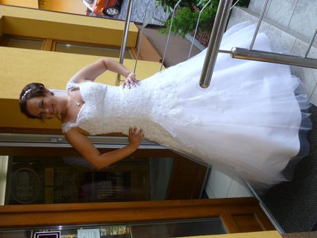 Svadobné šaty na ramienka, 44