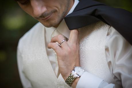 Svadobná IVORY vesta s kravatou a manžetovými gomb, 42