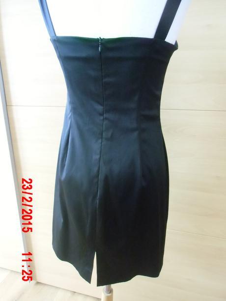 Čierne krátke saténové šaty , 38