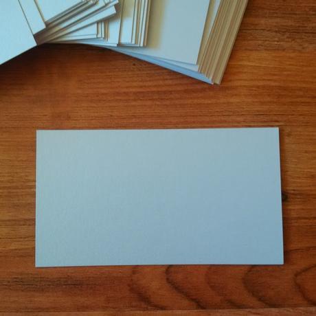 Kartička na jmenovky stříbrná, metalická,