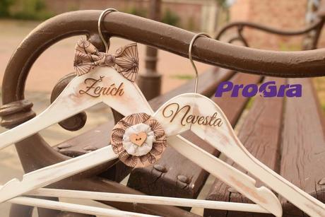 Svatební retro věšáčky,