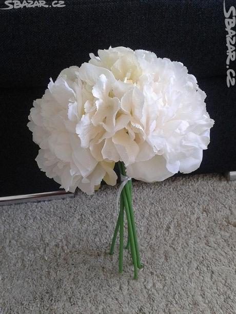 Květina - umělá,
