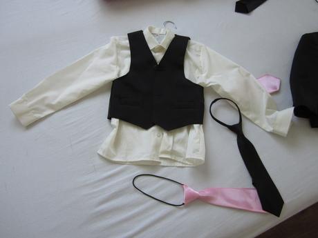 Chlapecké obleky pro sourozence, 110