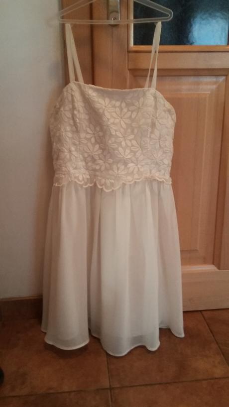 Popůlnoční šaty Debenhams, 38