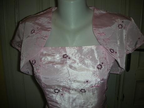 Růžové šaty pro družičky, 38