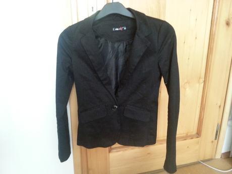 Čierne nenosené sako, S