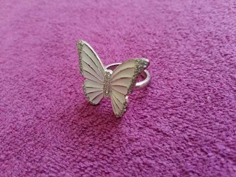 Motýlikový prsteň,