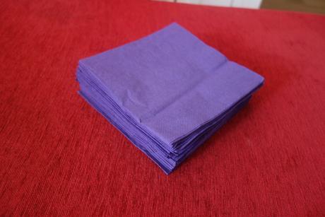 fialové ubrousky,