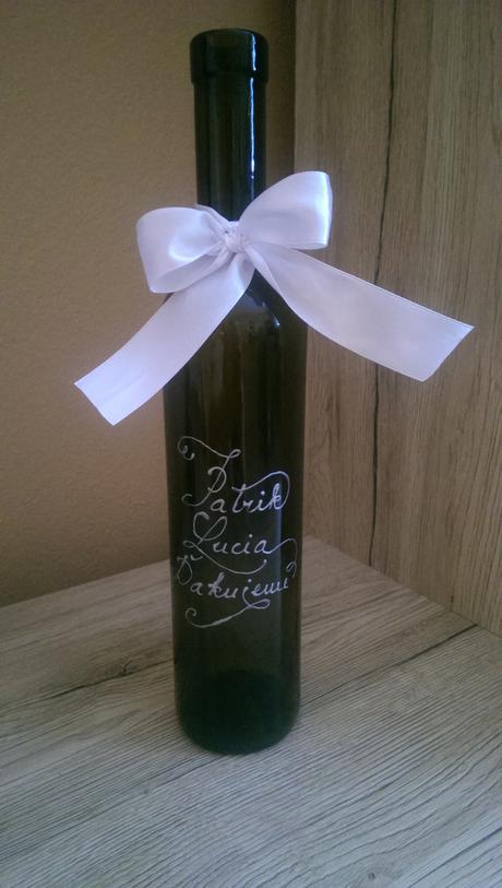 Handmade nápisy na svadobné fľaše,
