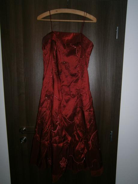 Spoločenské šaty + štóla zdarma, 38