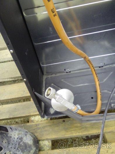 Kachle plyn/elektrina,