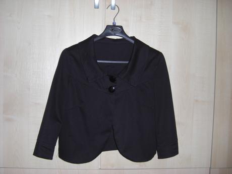 Krátký černý kabátek, 38
