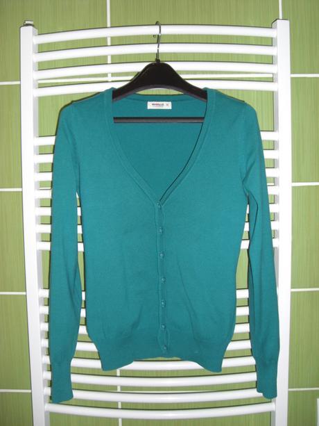 Zelený svetřík na knoflíčky, M
